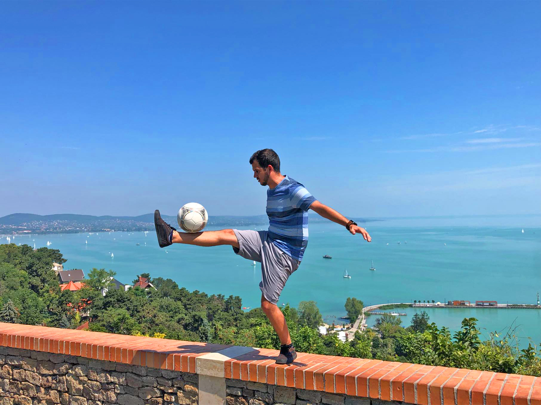 Kvartam football freestyle